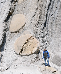 "Bill standing on giant ""hamburger bun"", in front of tilted strata with more buns, Bowling Ball Beach, Mendocino County, California (cocoi_m) Tags: california cliff beach nature standing wow giant bill sandstone fault strata lowtide geology bun conveyorbelt geomorphology bowlingballbeach concretion mendocinocounty hamburgerbun mudstone tiltedstrata schoonergulchbeach steeplydipping earlymiocene"