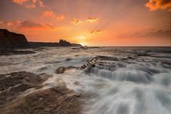 Tantallon Castle (Calum Gladstone) Tags: sea sky seascape castle sunrise scotland tantallon leefilters canon6d