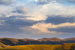 Sunset #1 (storvandre) Tags: sunset italy panorama canon landscape eos italia day cloudy natura 7d umbria norcia castelluccio castellucciodinorcia eos7d storvandre
