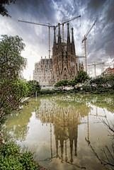 A walk around Gaudi's Sagrada Familia  //  Un paseo por la Sagrada Familia de Gaudí