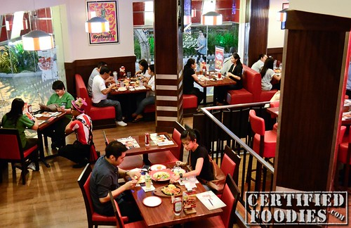 T.G.I. Friday's Dining Area - CertifiedFoodies.com