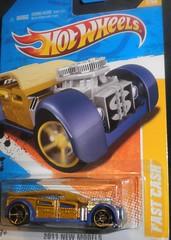 hotwheels 076 (mikaplexus) Tags: favorite cars car metal toy toys gold purple engine mint vehicles hotwheels vehicle mib unopened moneyclip combustable fastcash engins carsmotorcycles ireallylike mintinbox