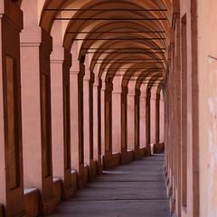 Portico (tryfar) Tags: ombre portici colonne prospettiva sanluca chiaroschuro blogna