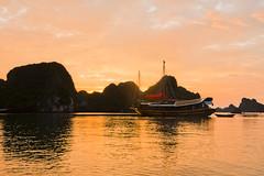 Coucher de soleil sur Halong Bay (franchab) Tags: wwwfranchabphotographefr