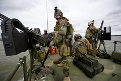 Sailors man their positions as gunners during training. (Official U.S. Navy Imagery) Tags: unitedstates va usnavy forteustis navyexpeditionarycombatcommandnecc riverinesquadronrivron1 maritimesecuritysquadronmsron4 masscommunicationspecialist1stclassrjasonbrunson