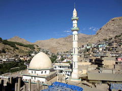 Picturesque Akre (D-Stanley) Tags: day iraq ngc clear kurdistan akre