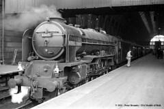 c.10/1962 - London Kings Cross. (53A Models) Tags: london train railway steam a1 kingscross peppercorn passengertrain britishrailways lner 462 60119 patrickstirling
