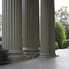 HOW MANY GALLONS OF PAINT WOULD YOU NEED? (NC Cigany) Tags: work nc paint columns northcarolina historic southern porch thesouth mansion wilmington parallel frontporch 0778 20111204