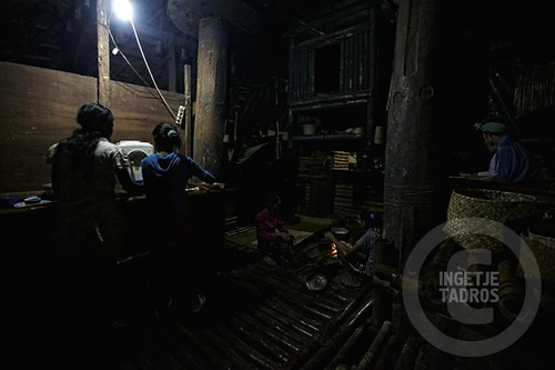 cooking in the dark-Sumba_201113166A