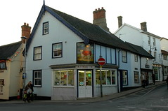 Butcher's shop in Diss, Norfolk (Kirkleyjohn) Tags: norfolk streetscene townscape oldbuilding diss