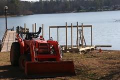 IMG_1463 (scott_scheetz) Tags: tractor sc lexington southcarolina sp kubota lakemurray sooc tamronspaf1750mmf28xrdiiildasphericalif canon400drebelxti dockbuild