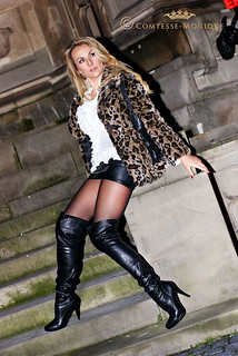 Comtesse-Monique_leather mini skirt, leo jacket and overknee boots (2)