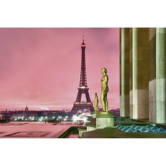 Paris, la Tour Eiffel (Zed The Dragon) Tags: morning light sunset paris france reflection ex architecture night 35mm french geotagged effects photography lights iso100 photo long exposure flickr tour view shot minolta photos sony f100 eiffel best full fave reflet most ciel frame esplanade palais faves 100 fullframe alpha nuit postproduction sal zed dg 2012 francais lightroom chaillot historique effets storia parisien flickrs favoris 24x36 0sec a850 sonyalpha hpexif flickraward concordians 100commentgroup 100comment dslra850 alpha850 mygearandme zedthedragon 100coms fontenayexpozed mosaique2012a
