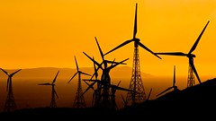 Breeze (Hernan Piera) Tags: sunset atardecer energy wind viento cielo electricity electricidad mills gibraltar turns molinos windenergy energia vanes straitofgibraltar giros aspas energa estrechodegibraltar elica energiaeolica renovable blinkagain