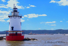 10 -Tugboat (Blackarrow3) Tags: lighthouses hudsonriver sleepyhollowlighthouse tarrytownlighthouse newyorklighthouses hudsonriverlighthouses 1883lighthouse