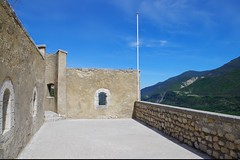 Entrevaux, Mai 2016 (98) (Sebmanstar) Tags: travel france color forest french landscape photography amazing europa europe village pentax medieval cote provence paysage campagne couleur ville ballade fort colline cite dazur entrevaux donjon