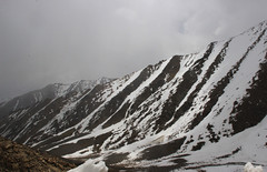 En Route Khardungla (Shakti Priyan Nair) Tags: trip mountain snow mountains landscape cloudy outdoor pass snowcapped leh ladakh khardungla highest clouded motorable