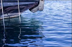 Anclado hasta la hora de partir (P.C. Vargas) Tags: mar barco anclas pesquero naviera