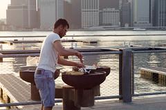 Picnic Peninsula 2 (zac evans photography) Tags: city nyc bridge urban newyork skyline brooklyn dinner island picnic metro bbq queens grille peninsula manhatten staten zacevansphoto