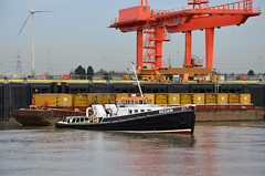 Tug Regain (John A King) Tags: environmental rubbish belvedere tug cory containers incinerator reclaim regain