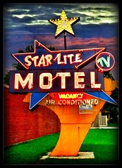 Star Lite Motel  ~ South Holland ~ Il (Onasill ~ Bill Badzo) Tags: county old light 6 chicago holland sign vintage lite tv illinois neon air south cook motel il hwy ac sar condition onasill