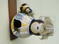casinha abelhinha com filhotinho-3 (BILUCA ATELIER) Tags: gourds bees ladybugs cabaas pinturacountry porongos homebirds biluca casinhasdepassarinho