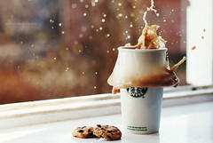 279/365 Milky cookie splash (rennes.i) Tags: stilllife cup window 50mm daylight december cookie bokeh ukraine starbucks mug 2011 lutsk nikond3000 cookiesplash rennesi irynayeroshko