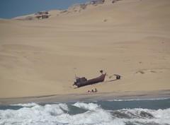 Donde todo es posible (carlos_ar2000) Tags: sea summer people beach de uruguay boat mar barco ship gente dune playa verano duna barra rocha valizas