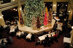 Walnut Room at Macy's (Marshall Fields) State St. Chicago. (Cragin Spring) Tags: city urban food chicago restaurant store illinois midwest holidays downtown loop christmastree il departmentstore dining macys chicagoloop statest marshallfields walnutroom chicagoillinois chicagoil walnutroomchristmastree