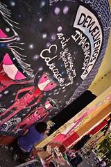 (alterna ) Tags: chile santiago color muro graffiti mujer mural liceo natalia torso boba fotografia nias mujeres muralla par pelo amunategui alterna alternativa 2011 superboba alternaboba