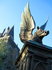 Winged Boar Statue in front of Hogwarts (meeko_) Tags: statue islands orlando florida harry potter harrypotter adventure forbidden journey universal hogwarts winged boar themepark attraction islandsofadventure universalorlando hogsmeade universals universalsislandsofadventure thewizardingworldofharrypotter harrypotterandtheforbiddenjourney wingedboar thewizardingworldofharrypotterhogsmeade