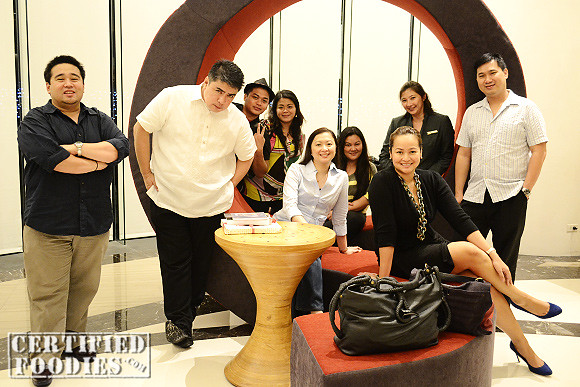The lovely foodies who we enjoyed dinner with at the F cafe at Best Western Premier F1 Hotel