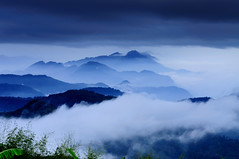 Painting at Xiding @ (Vincent_Ting) Tags: sunset mountain clouds taiwan  formosa  seaofclouds