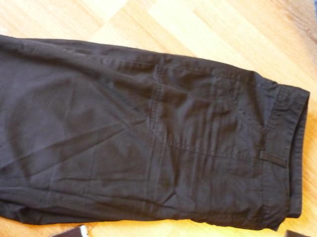 1 pantalon noir plus décontracte KIABI t 46