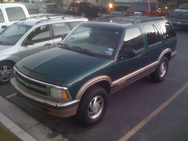 green chevrolet 1996 blazer lt