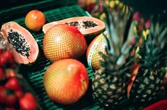 People eating fruit (stekepanne) Tags: autumn oslo hst 2011