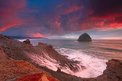 Cape Kiwanda (©Helminadia Ranford) Tags: travel pink sunset sky seascape day cloudy wave oregoncoast pacificcity capekiwanda