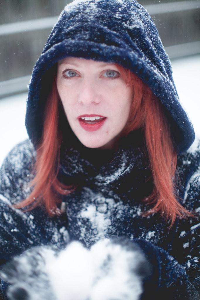 Redhead milf outdoors foto 120