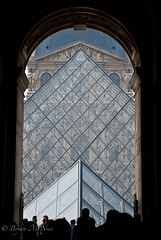 Finding the Louvre (-bdm-) Tags: urban paris france glass museum architecture pattern arch pyramid louvre doorway juxtaposition discover d80