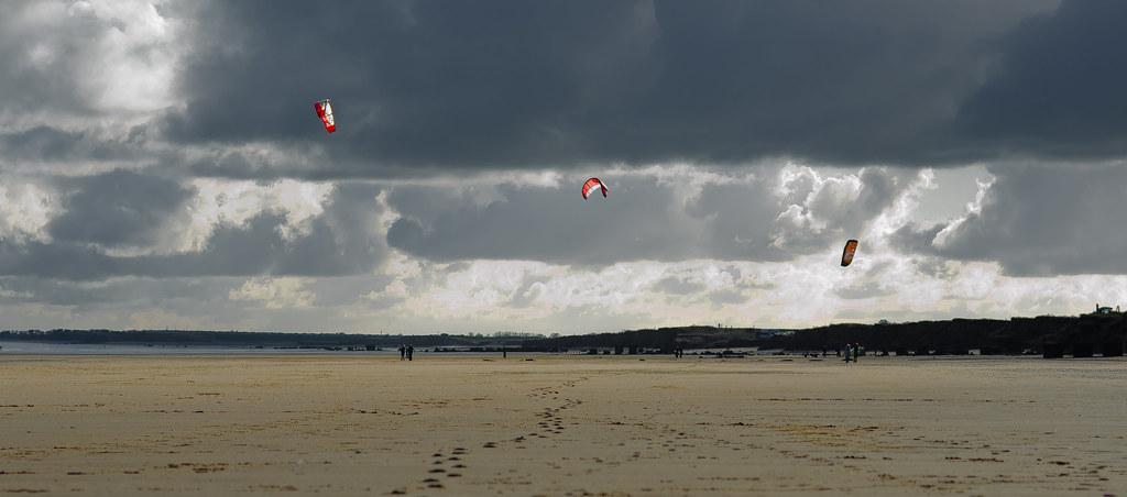 Kites at South Beach, Bridlington, East Yorkshire. By Thomas Tolkien