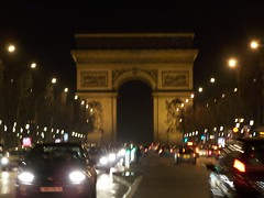 Champs lyses by night (LouRousselot) Tags: paris lumire champs elyses triomphe nuit phare