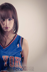 Knicks Girl.. (Andr Mutanga | Photographie) Tags: new york light portrait cute eye girl look basketball studio photography nikon soft jersey nba strobe knicks d5000