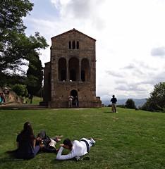 Santa M del Naranco, Oviedo, Espaa (Caty V. mazarias antoranz) Tags: asturias unesco oviedo romnico santamaradelnaranco montenaranco patrimoniodelaunesco dndeestleoncia