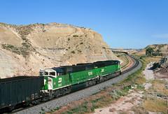 Meet at Sully Springs (Moffat Road) Tags: railroad train bn northdakota nd locomotive badlands meet burlingtonnorthern emd sd60m coaltrain sullysprings
