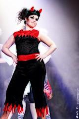1483 OE (EricS2010) Tags: christmas red black strange jack rouge noir femme noel devil sourire joli diable trange corne mozak