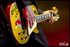 Social D - Mike Ness (Stephen Eckert) Tags: show philadelphia rock concert guitar live gig philly socialdistortion mikeness wellsfargocenter sociald foofighterstour machinegunblues stepheneckert