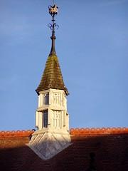 Queen's tower, Dec 2008 (DizDiz) Tags: uk england cheshire chester crown december21st olympusc720uz countytown