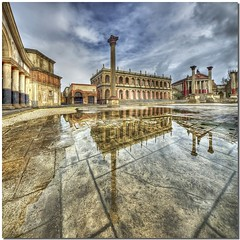 Standing movie set (Nespyxel) Tags: cinema rome history set reflections movie ancient fake imperial studios riflessi antico hdr reflexes storia cinecitta imperiale tonemapping nespyxel stefanoscarselli masterclasselite cinecittalucespa