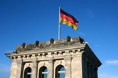 Flag of the Federal Republic of Germany (Brian Aslak) Tags: building berlin bandeira germany deutschland europe flag banner reichstag bandera tyskland bundestag flagg fahne flagge drapeau lipp lippu saksamaa reichstagsgebäüde