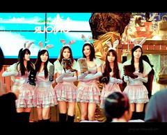 guangzhou china 6 girl lady shopping asian nikon asia boots chinese guangdong asiangirl chineselady d90 bootsshoes nikkor80200mmf28 beijinglu nikond90